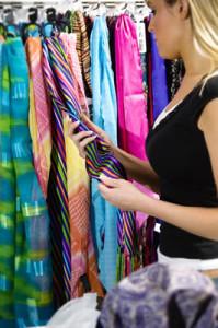 scarf-shopping-woman[1]